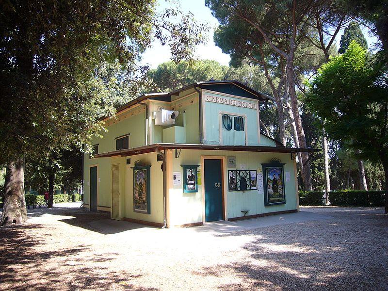 File:Villa Borghese - cinema dei piccoli 1160582.JPG
