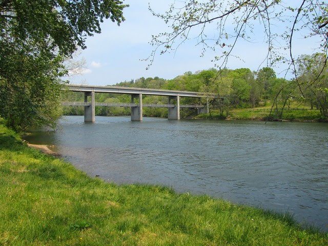 IMG_4763_James_River_Bridge