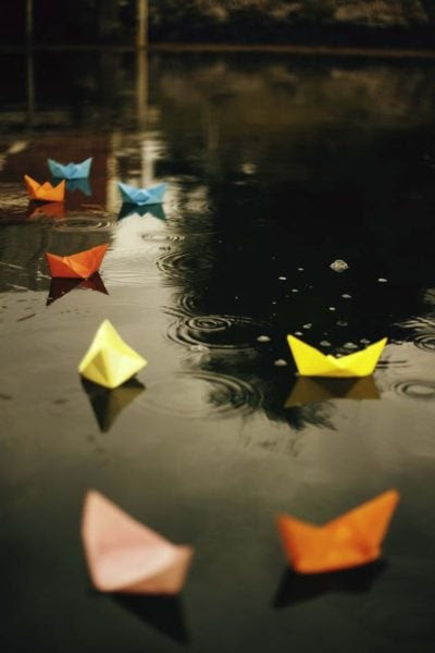 Puddles and paper boats to relive the nostalgia. Source - playbuzz