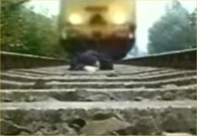 Man run over by train dies in Nugegoda