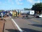 Protesto bloqueia BR-364 e isola Acre (Maríndia Moura/Rede Amazônica)