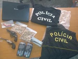 Trio suspeito de cometer assaltos é preso em Bom Jesus dos Perdões (Foto: Divulgação/Polícia Civil)