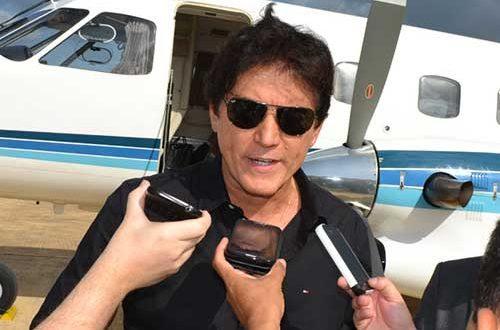 Resultado de imagem para robinson faria no aeroporto