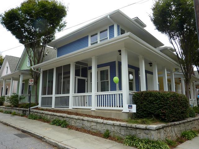 P1110973-2012-09-16-O4W-Tour-of-Homes-Rainbow-Row-oblique-blue-7