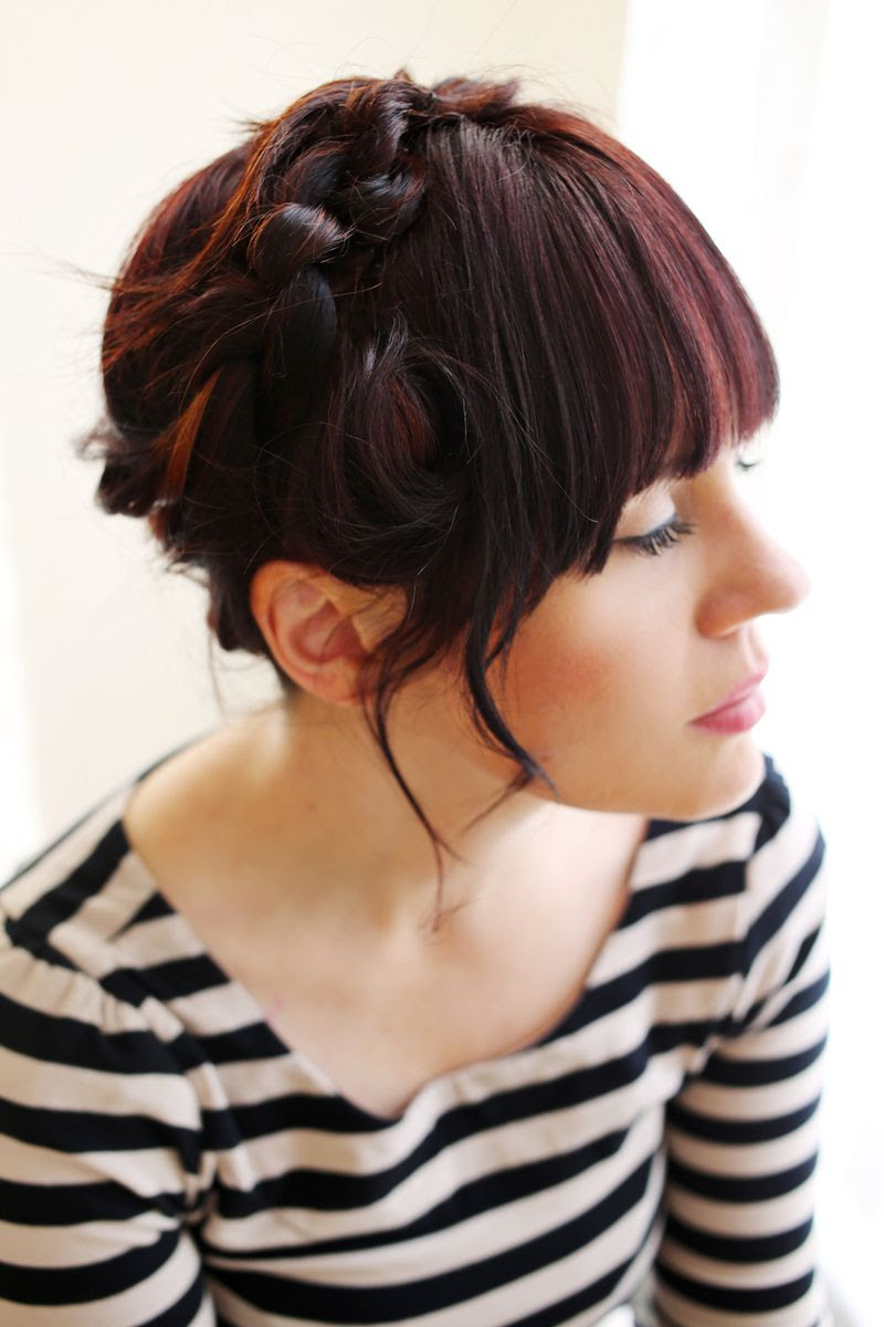 How to style a knot hairstyle