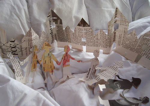paper doll and house chains