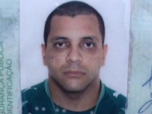 Evandro Rodrigues foi morto ao sair de casa, em Goiânia (Foto: John Willian/TV Anhanguera)