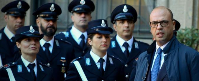 """Bonus 80 euro, sospeso il versamento alle forze dell'ordine. Sindacati: """"Vogliono usare risorse per riordino delle carriere"""""""