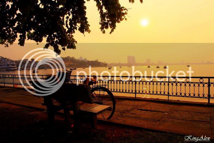 Keindahan sunset di Hanoi Vietnam