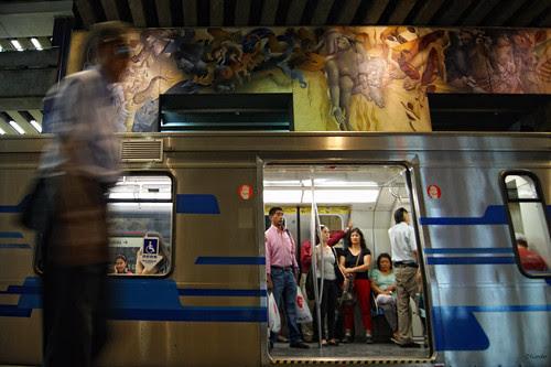 Metro colorido velocistico by Alejandro Bonilla