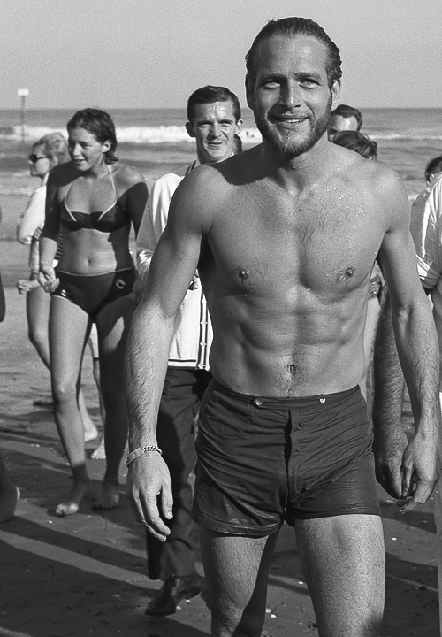 Paul Newman on the shore in Lido, Venice, 1963
