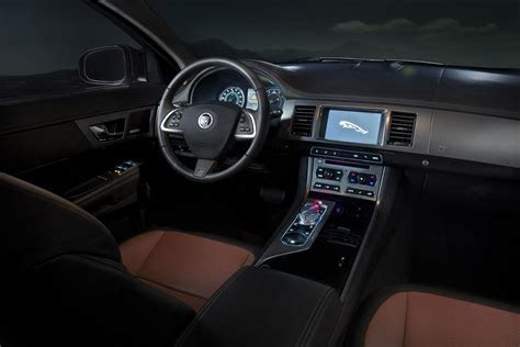 2012 Jaguar XF interior