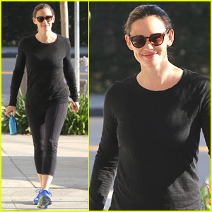 Jennifer Garner is All Smiles Heading to the Gym