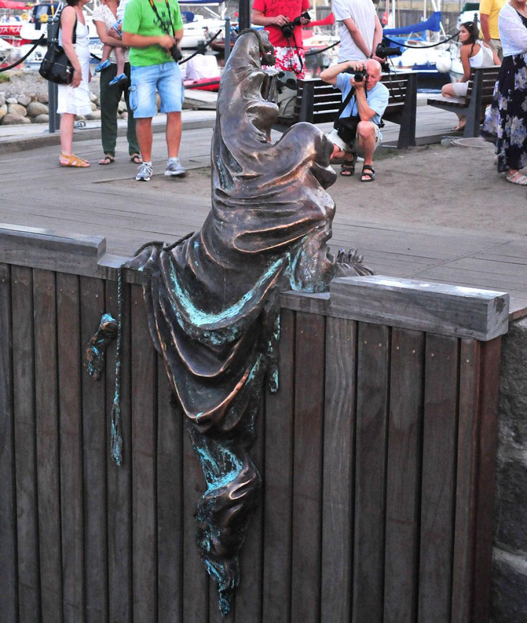 25 esculturas e estátuas criativas de todo o mundo 10