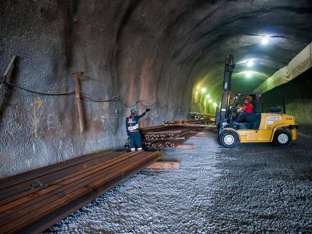 O material chegou de navio da Espanha e será instalado em Março (Foto: Divulgação/ Consórcio Construtor Rio Barra )