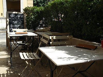 tables ombragées.jpg