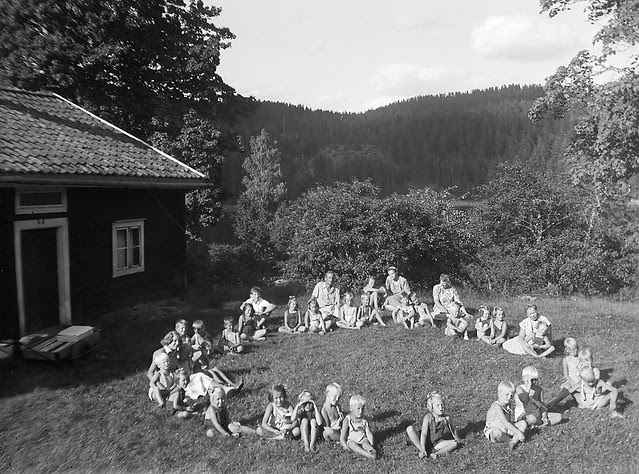 Children in a ring, Pinnarp, Östergötland, Sweden