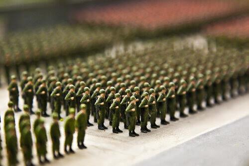 Игрушечная армия