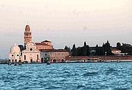 Il cimitero di San Michele a Venezia (archivio)
