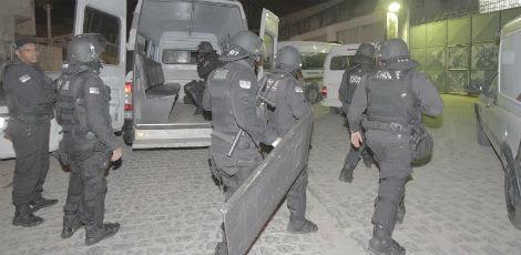 Choque foi acionado e entrou na unidade por volta das 21h15 / Foto: Bobby Fabisak/JC Imagem