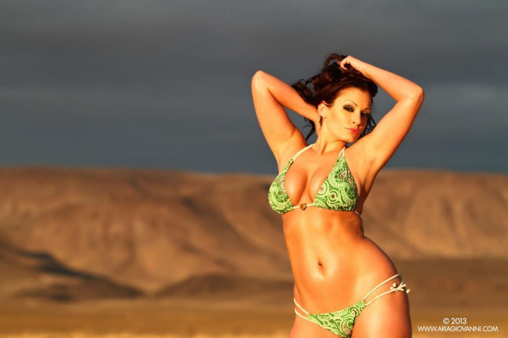 Hot Aria Giovanni in Green Bikini - Sexy Actress Pictures | Hot Actress Pictures