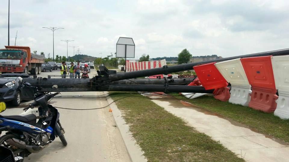 Horrific Accident in Klang Leaves Two Dead After Crane