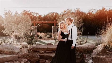 Halloween wedding inspiration: 13 gorgeous   and spooky