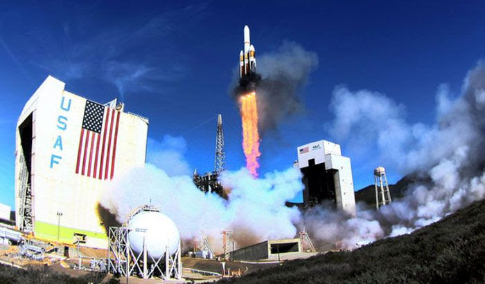 A Delta IV-Heavy rocket launches from Vandenberg Air Force Base in California for the first time on January 20, 2011.