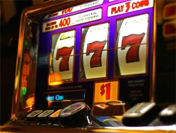 27/06/ · Slot technicians, also called slot mechanics, inspect, maintain, and repair slot machines, and these professionals often work at casinos or other .