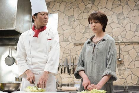 NHK・BSプレミアムで放送中のドラマ『最後のレストラン』第3回(5月10日放送)より。ジャンヌ・ダルク(トリンドル玲奈)が来店  (C)NHK