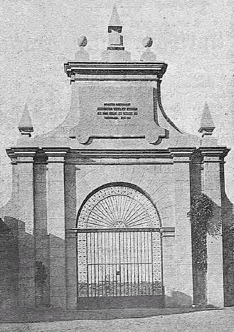 Puerta del Jardin del Palacio de la Sisla, con rejería de Julio Pascual