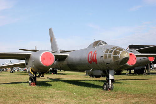 Ilyushin Il-28 04 red