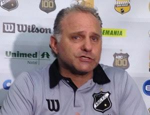 Toninho Cecílio - técnico do ABC (Foto: Carlos Cruz/GloboEsporte.com)