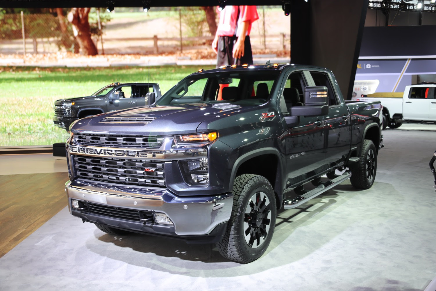 2020 silverado hd lt with z71 package photo gallery  gm