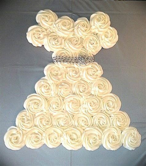 Vintage Wedding Dress Cupcake Cake   Cakes I made myself