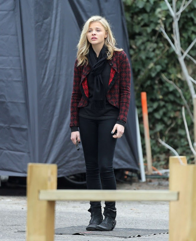 Chloe Moretz: Set of November Criminals -05