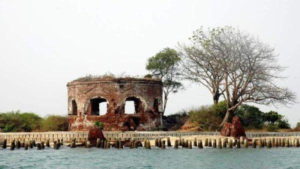 Pulau Onrust, Kepulauan Seribu (Foto: indonesia-tourism)