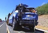 L'auto della polizia coinvolta nell'incidente (foto Cautillo)