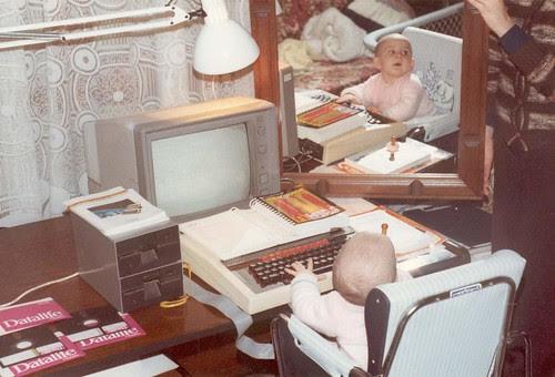 Leire con un Acorn BBC con disquetera dobe y monitor