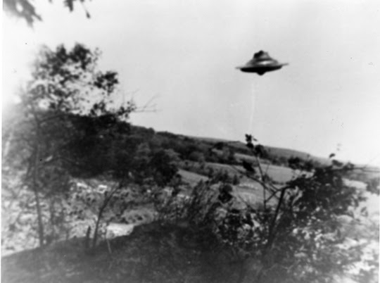 http://www.openminds.tv/wp-content/uploads/Trudell-UFO-photo-4.jpg