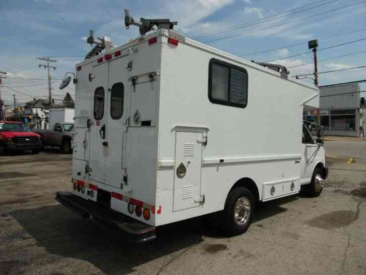 Chevrolet Gallery: 2005 Chevrolet Express 3500 Box Truck ...