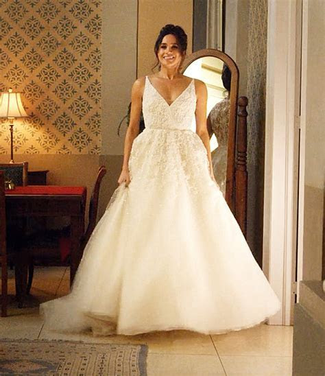 Meghan Markle wedding dress rumoured to cost £400k   Daily