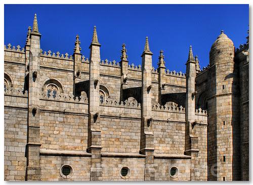 Arcobotantes da Sé Catedral da Guarda. by VRfoto