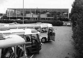 Expohal hilversum met prachtige oude bussen 1969