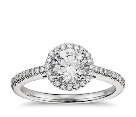 Classic Halo Diamond Engagement Ring in Platinum (1/4 ct