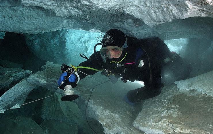 A maior caverna subaquática da Rússia 10