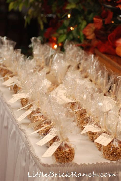 10  ideas about Inexpensive Wedding Favors on Pinterest