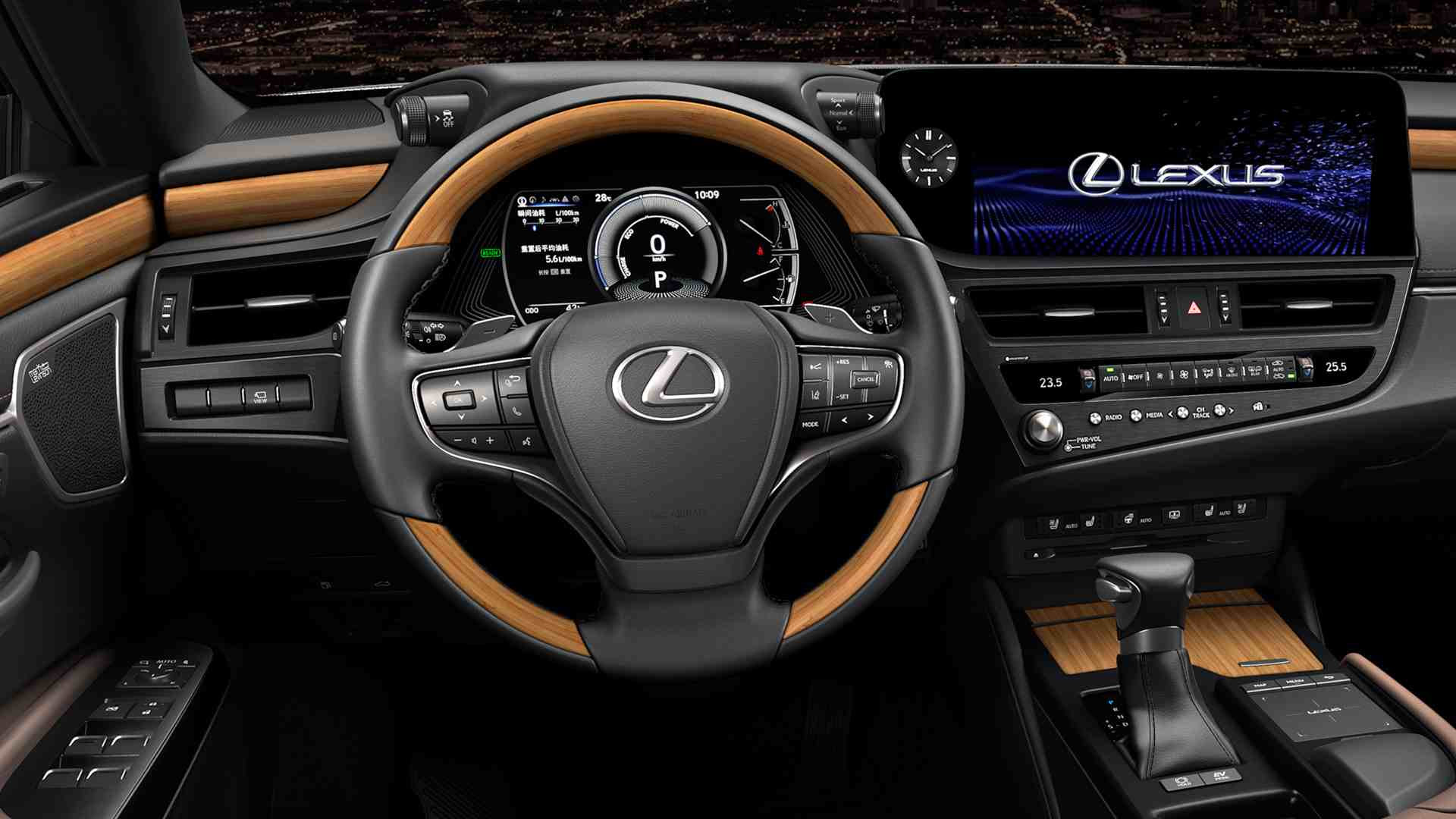 The main infotainment screen of the 2021 Lexus ES is now touch-operated. Image: Lexus