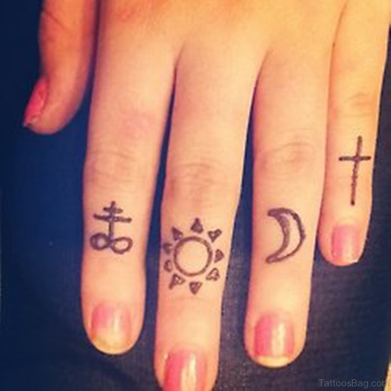 49 Creative Cross Tattoos On Fingers