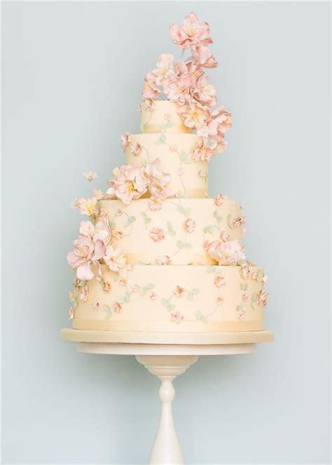 22 Elegant Wedding Cakes with Beautiful Details   Deer